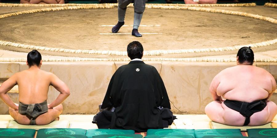 元横綱・千代の富士が死去。 「ウルフ」のニックネームで親しまれた彼の人生とは