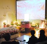 費用事例とお客様の声 たくさんのお花に囲まれて