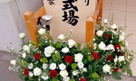 赤と白のバラで演出