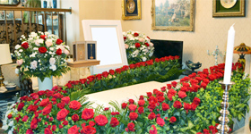 ご自宅へバラの祭壇を