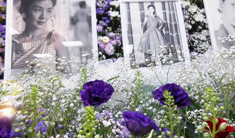 バラの花祭壇