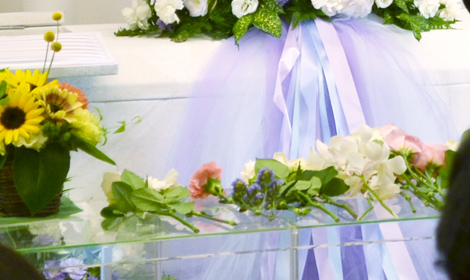 花好きだったお母様へ4種類のお花を献花