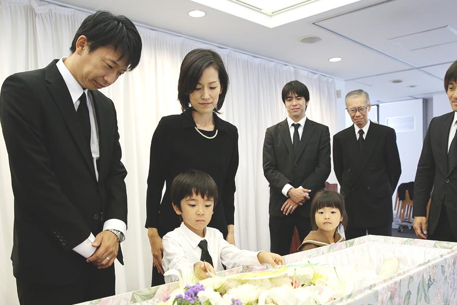 葬儀全体の中で89%を占める家族葬(密葬)、その平均費用は105.9万円